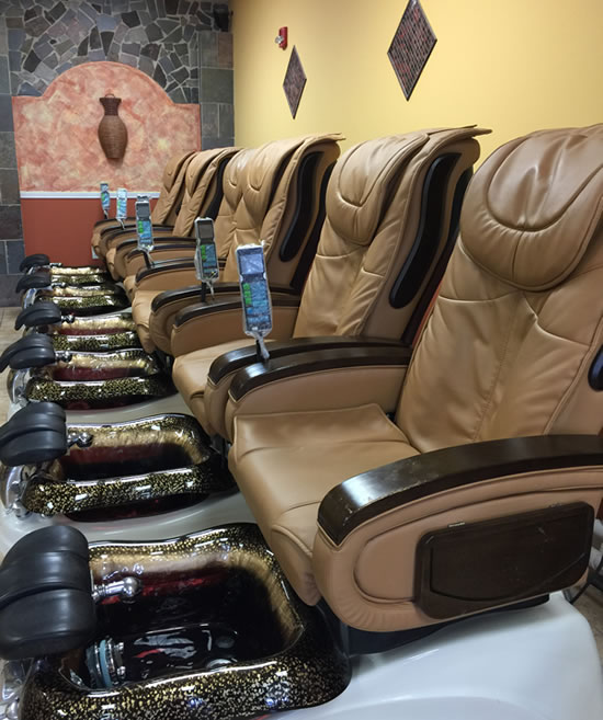 pedicure lounge chairs